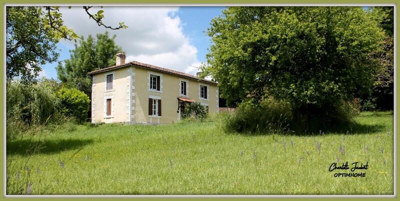 Maison de campagne de 180  m2 - Chalais (16210)