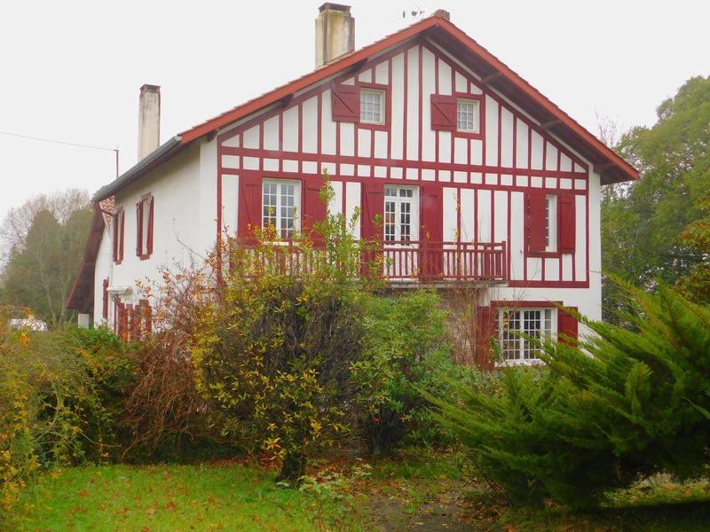 Maison de 235  m2 - Villefranque (64990)