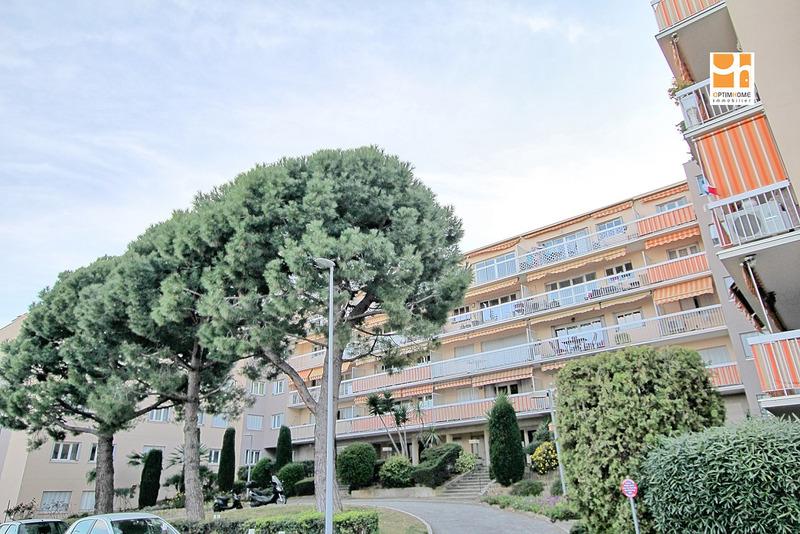 Appartement en résidence de 73  m2 - Saint-Laurent-du-Var (06700)