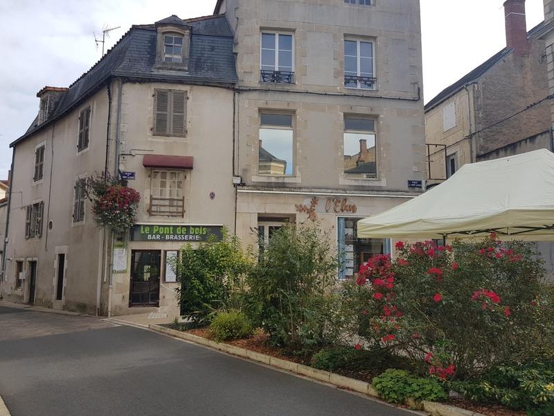 Maison de 165  m2 - Montmorillon (86500)