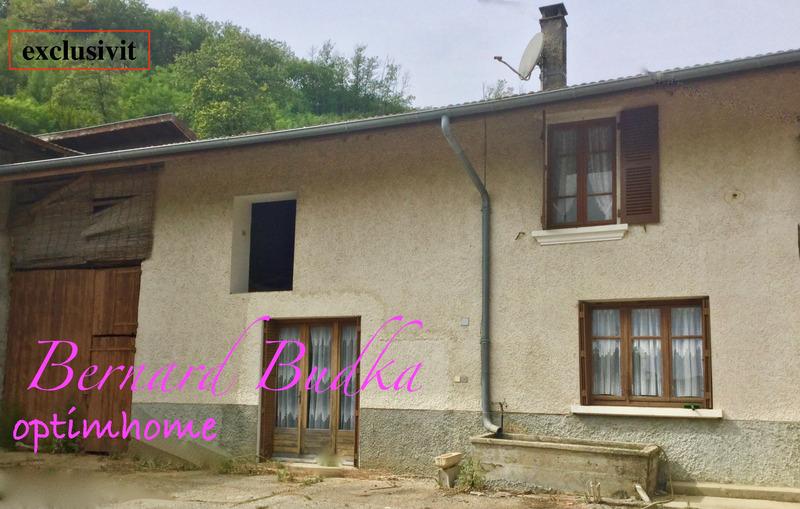 Maison à rénover de 300  m2 - Charantonnay (38790)