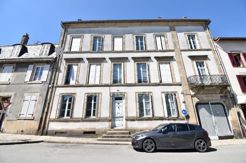 Immeuble de rapport de   m2 - Bourganeuf (23400)