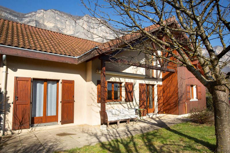 Maison de 102  m2 - Crolles (38920)