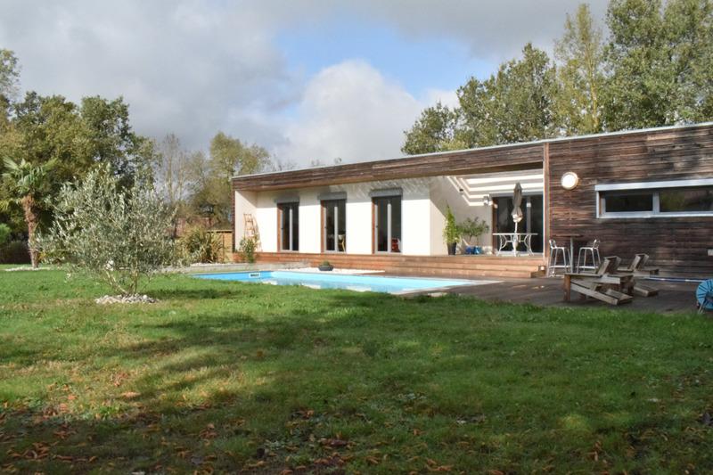 Villa d'architecte de 144  m2 - Saïx (81710)