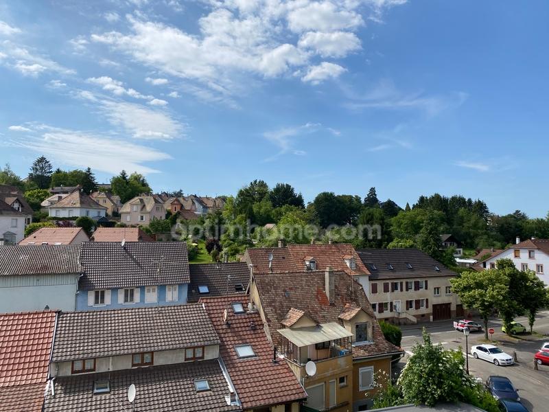 Appartement en résidence de 84  m2 - Altkirch (68130)