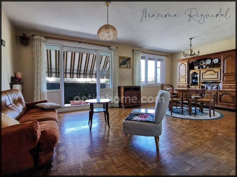 Appartement 1960 de 79  m2 - Pau (64000)