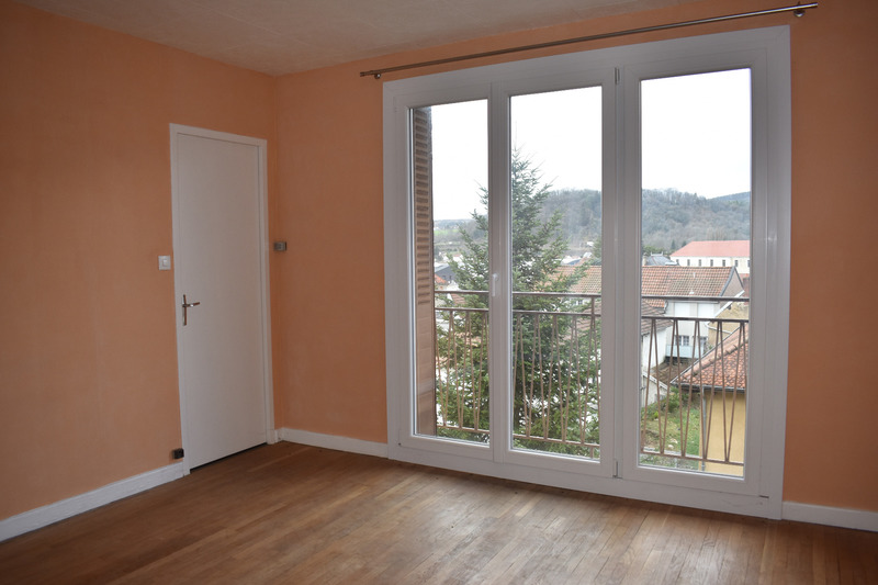 Appartement rénové de 68  m2 - Baume-les-Dames (25110)