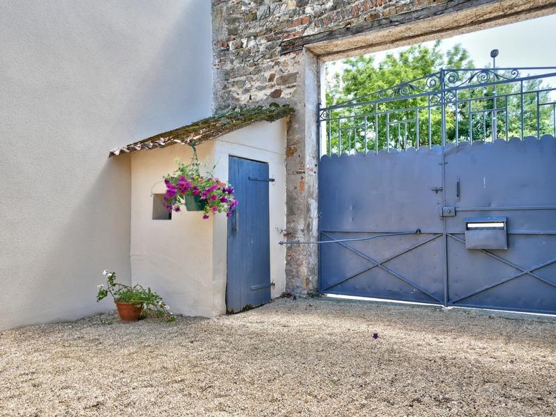 Maison de 210  m2 - Lezoux (63190)