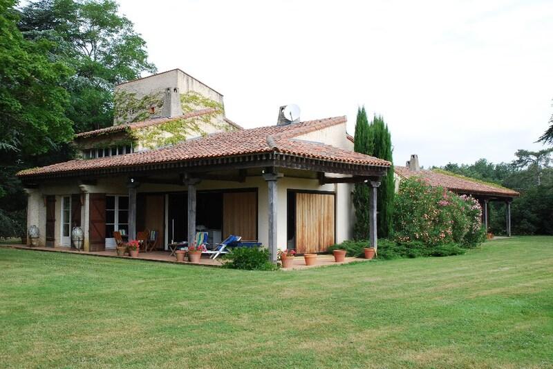Propriété de 330  m2 - Toulouse (31300)