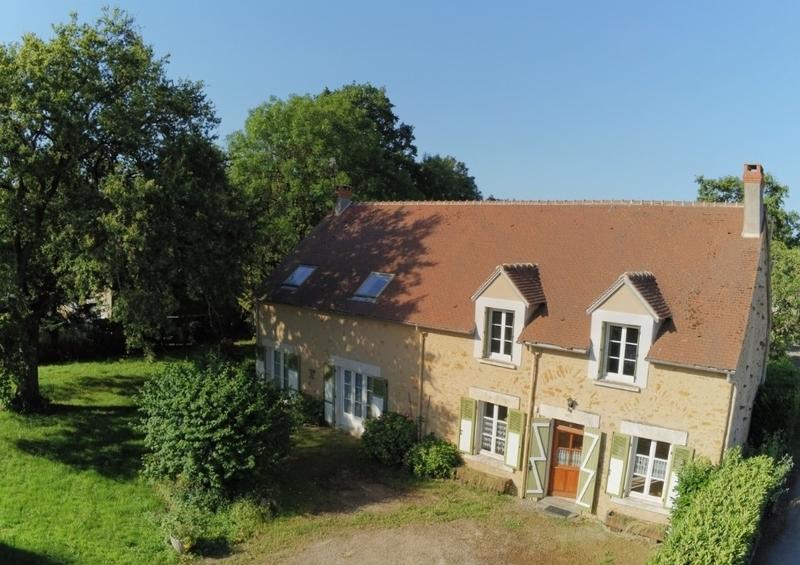 Maison de 175  m2 - Roussines (36170)