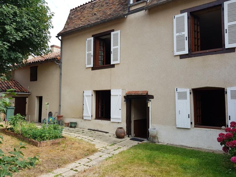 Maison de caractère de 163  m2 - Montmorillon (86500)