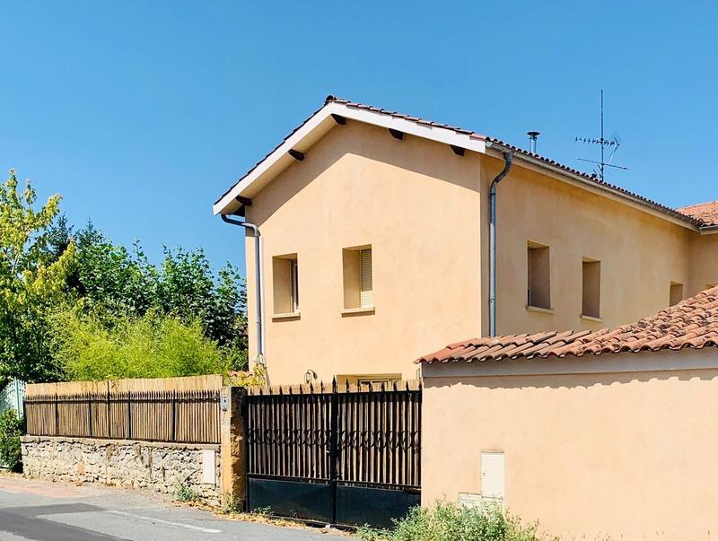 Maison rénovée de 124  m2 - Chazay-d'Azergues (69380)