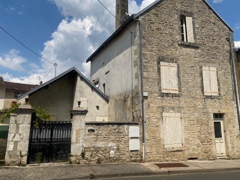 Maison en pierre de 155  m2 - Ruffec (16700)