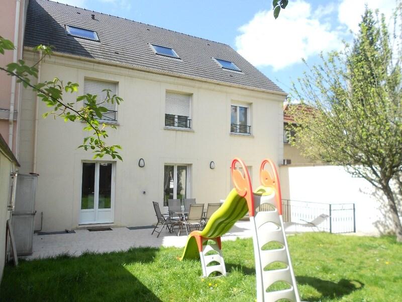 Maison de 226  m2 - Créteil (94000)