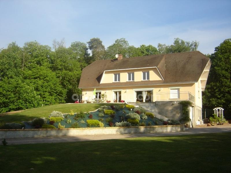 Maison bourgeoise de 350  m2 - Beaumont-le-Roger (27170)