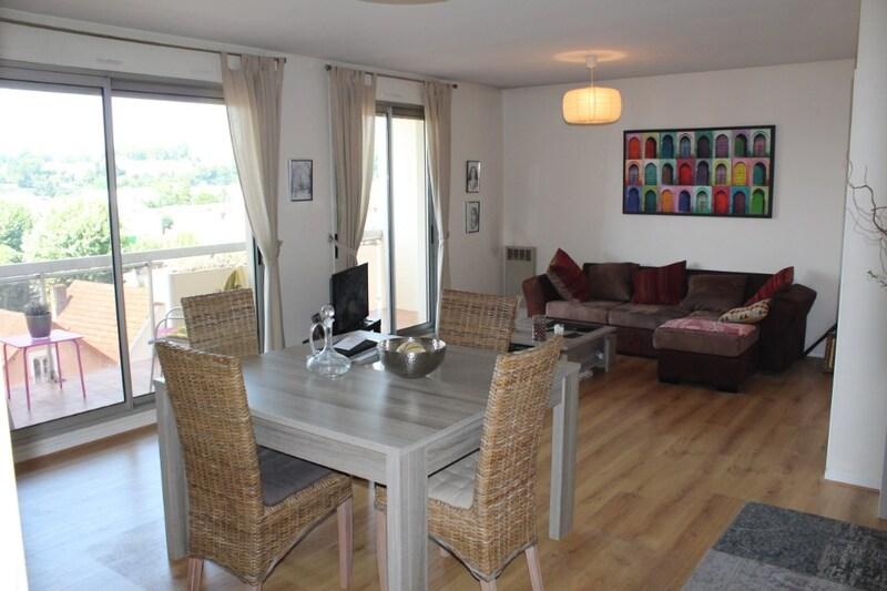 Appartement en résidence de 81  m2 - Périgueux (24000)