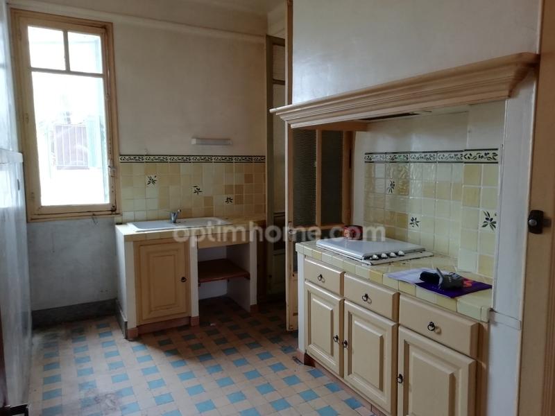 Appartement à rénover de 56  m2 - Marseille (13003)