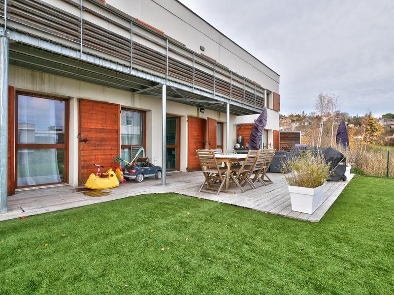 Appartement en rez-de-jardin de 90  m2 - Ceyrat (63122)