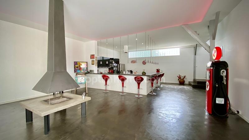 Maison contemporaine de 277  m2 - Corbeil-Essonnes (91100)