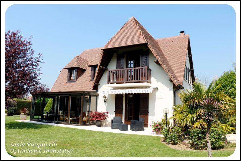 Maison de caractère de 180  m2 - Mathieu (14920)