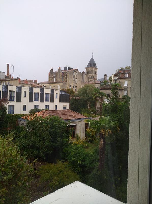 Appartement en résidence de 106  m2 - Bordeaux (33000)