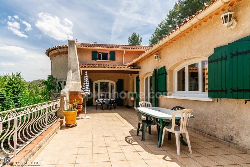 Maison de 173  m2 - Simiane-Collongue (13109)