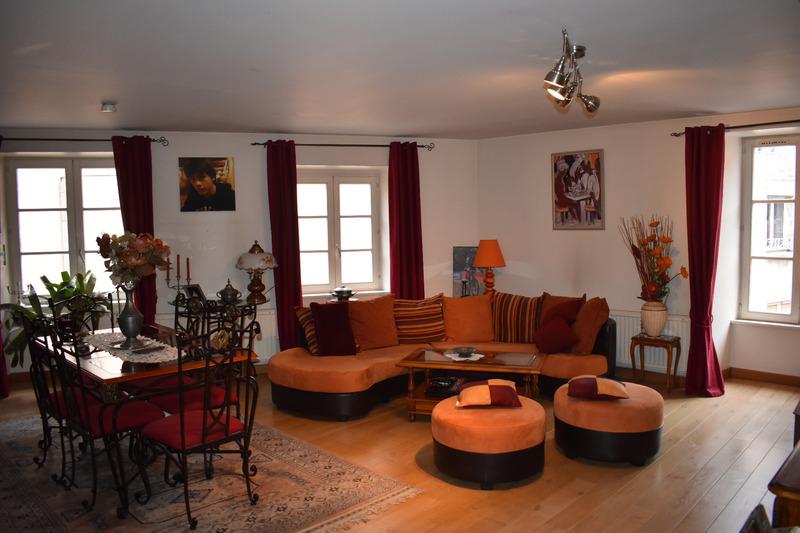 Appartement rénové de 85  m2 - Baume-les-Dames (25110)