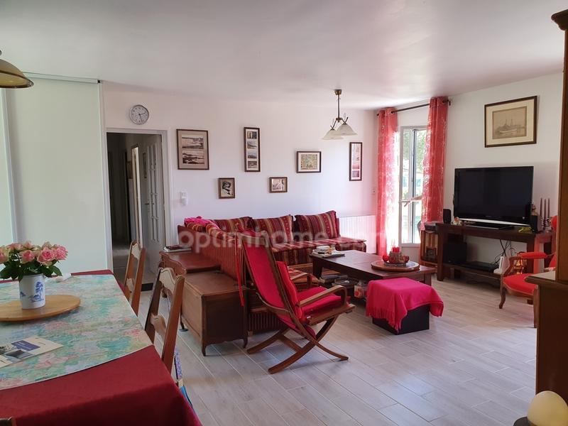 Maison de 105  m2 - Cartelègue (33390)