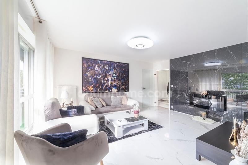 Appartement en résidence de 90  m2 - Besançon (25000)