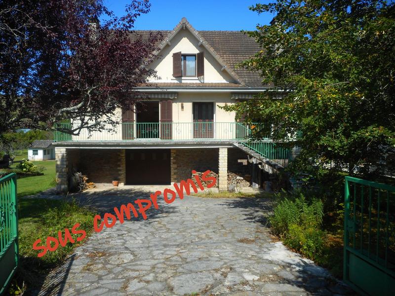 Maison de 160  m2 - Firmi (12300)