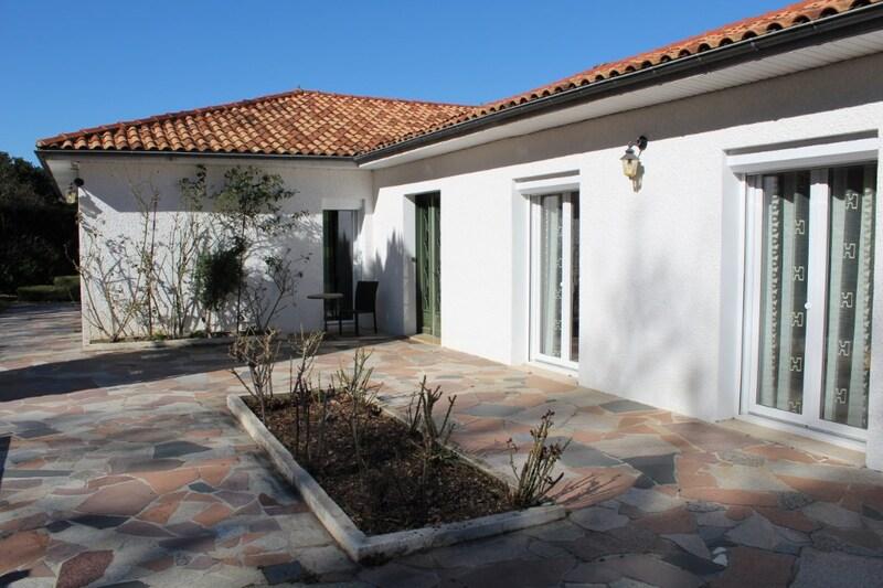 Maison individuelle de 212  m2 - Périgueux (24000)