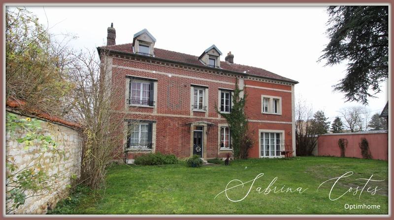 Maison bourgeoise de 233  m2 - Gaillon (27600)