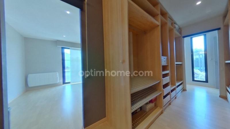 Maison contemporaine de 305  m2 - Cholet (49300)