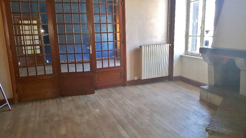 Appartement ancien de 160  m2 - Trizac (15400)