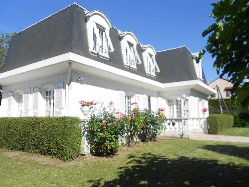 Maison de 190  m2 - Créteil (94000)