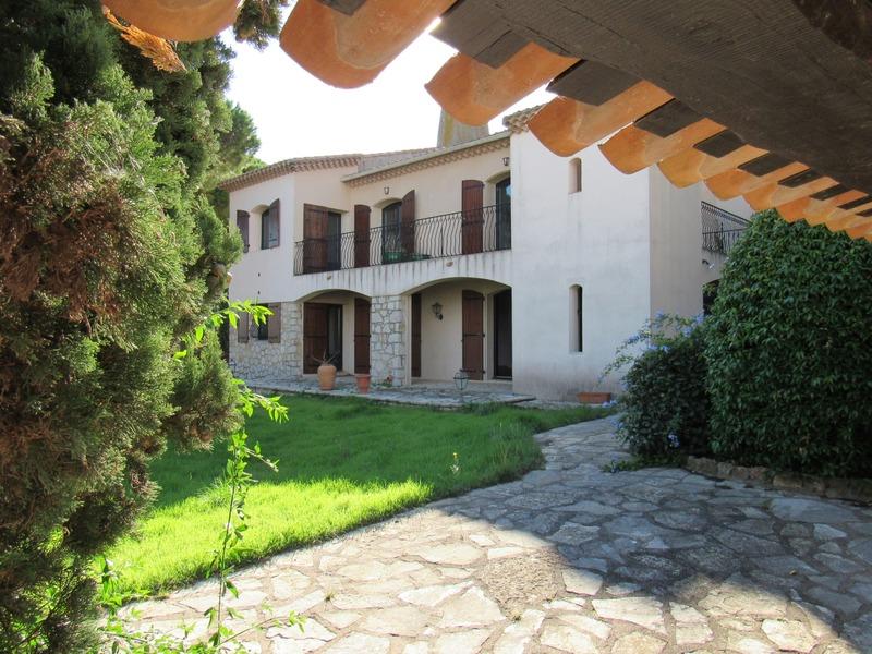 Maison rénovée de 227  m2 - Sète (34200)