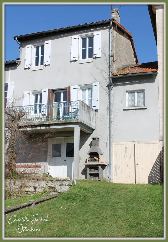 Maison de ville de 110  m2 - Chalais (16210)