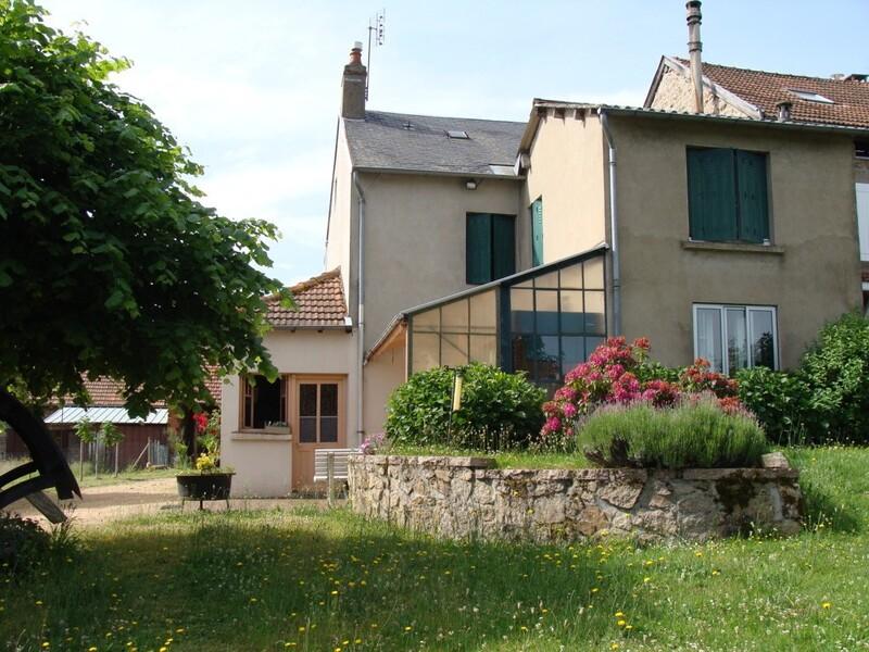 Maison de campagne de 105  m2 - Châtel-Montagne (03250)