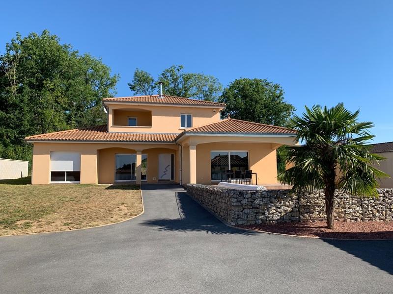 Villa de 200  m2 - Ancerville (55170)
