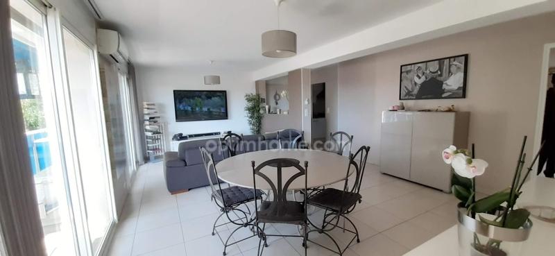 Appartement de 87  m2 - Toulon (83000)