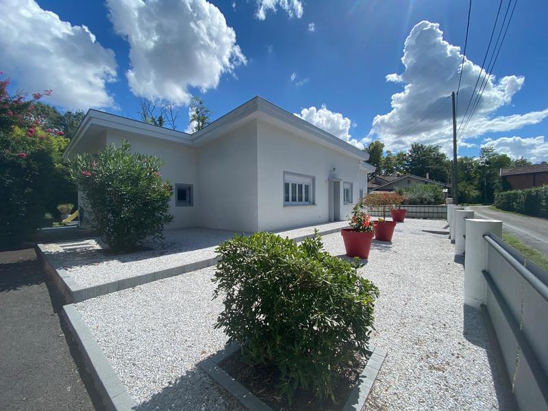 Maison individuelle de 100  m2 - Latresne (33360)