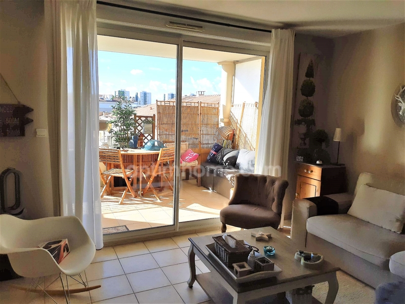 Appartement de 84  m2 - Toulon (83000)
