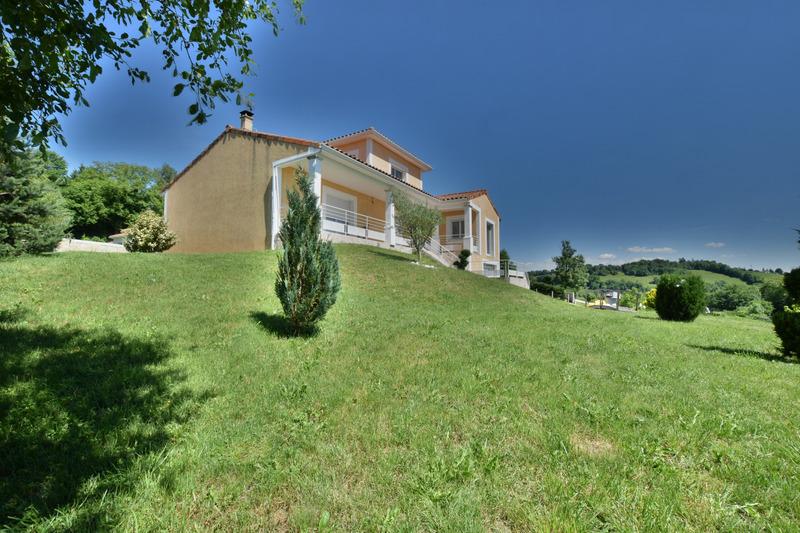Maison individuelle de 175  m2 - Aurillac (15000)