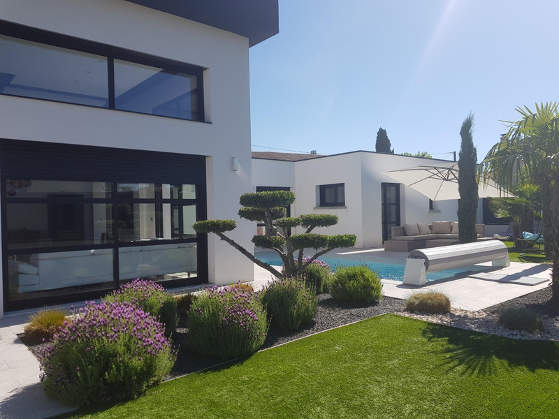 Maison de 147  m2 - Roussillon (38150)