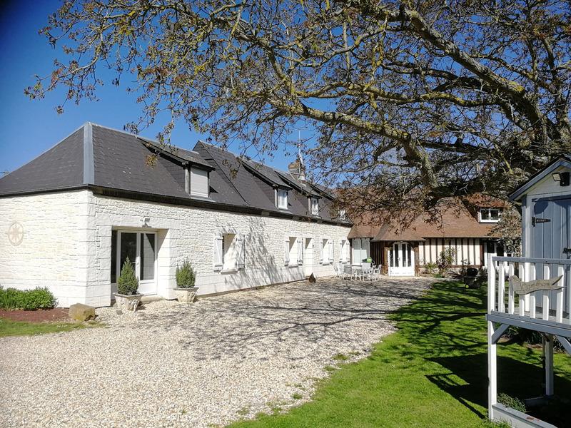 Maison de caractère de 380  m2 - Conches-en-Ouche (27190)