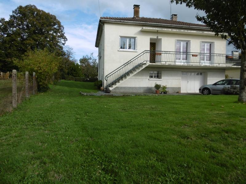 Maison de 98  m2 - Saint-Mathieu (87440)
