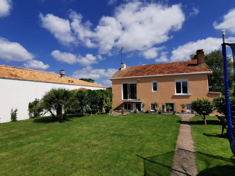 Maison semi plain-pied de 133  m2 - Fougeré (85480)