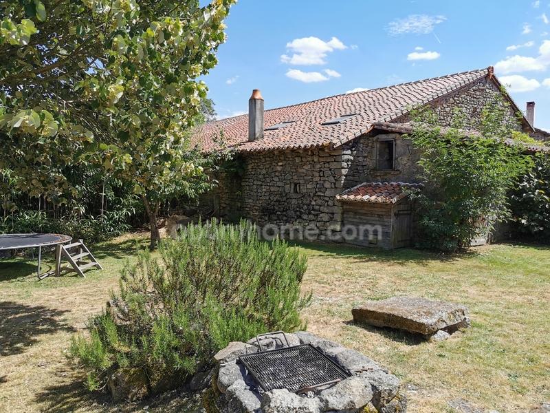 Maison en pierre de 200  m2 - Cieux (87520)