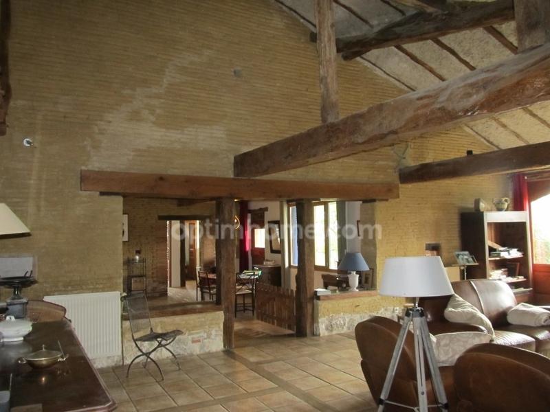 Maison de 257  m2 - Lévignac (31530)