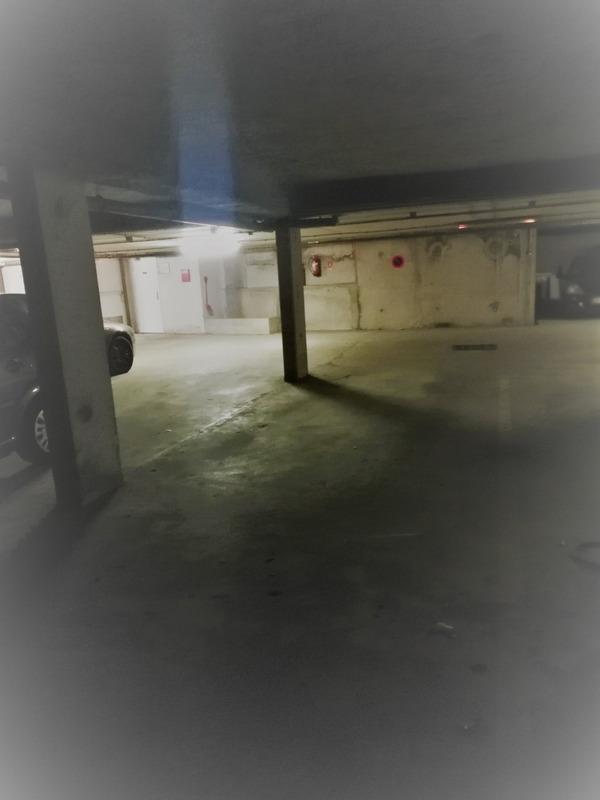 Parking intérieur de   m2 - Montreuil (93100)